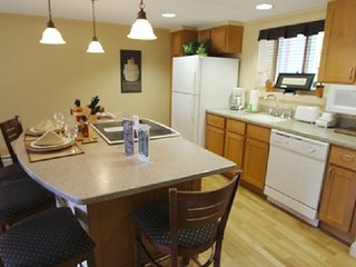 Lincoln Condo close to many summer fun activities!