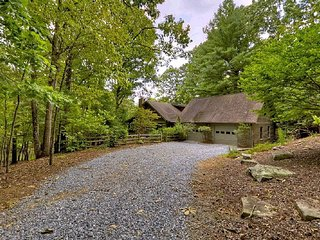 Peace Lake Waterfront Cabin, Ellijay