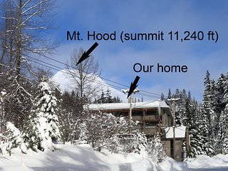 Mt Hood Studio Condo w/ Best Views of Ski Resort - Walk to Everything Nearby!