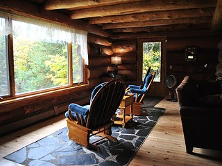 SCANDANAVIAN STYLE LOG HOME ON TWO PRIVATE ACRES, 1200 ACRE LAKE