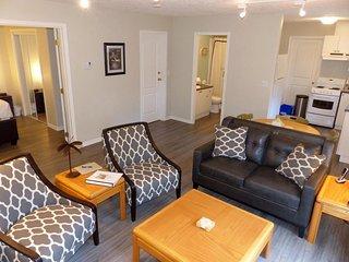 1 Bedroom Victoria Vacation Suite Close to RRU
