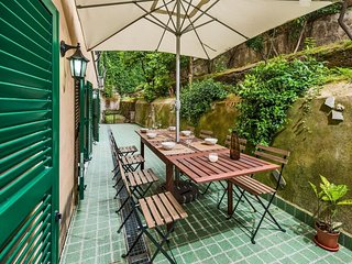 Dandolo Trastevere apartment in Trastevere with WiFi, private terrace & private