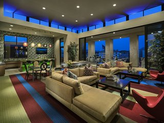 Luxury Resorts Style Condo in PHX