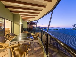 Penthouse at Waves Central - Airlie Beach