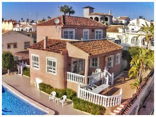 4 Bed XL Villa / A/C / Wi-Fi / Pool / Villamartin