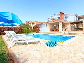 4 bedroom Villa in Vodnjan Golubovo, Istria, Vodnjan, Croatia : ref 2043535