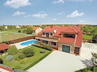 6 bedroom Villa in Zadar Galovac, Northern Dalmatia, Zadar, Croatia : ref 2044575, Sukosan