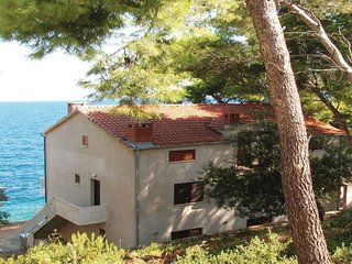 7 bedroom Villa in Korcula, South Dalmatia, Croatia : ref 2045515, Blato