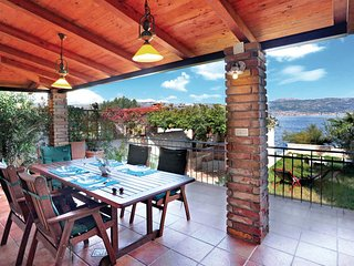 3 bedroom Villa in Ciovo, Central Dalmatia, Croatia : ref 2045858, Arbanija