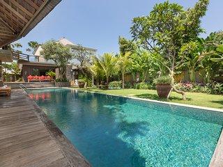 Berawa Beach Luxury Jadine Bali Villa