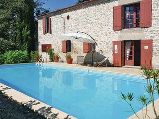 4 bedroom Villa in Tonneins, Lot Et Garonne, France : ref 2220999