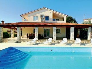 3 bedroom Villa in Porec-Vabriga, Porec, Croatia : ref 2238522, Tar