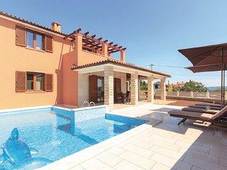 3 bedroom Villa in Duga Uvala-Kavran, Duga Uvala, Croatia : ref 2238527