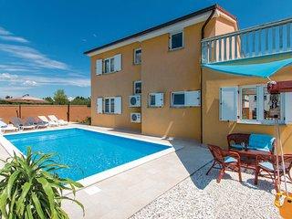3 bedroom Villa in Pula-Loborika, Pula, Croatia : ref 2238820