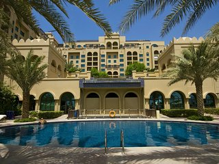 23  Fairmont 2 BD in Palm Jumeirah !
