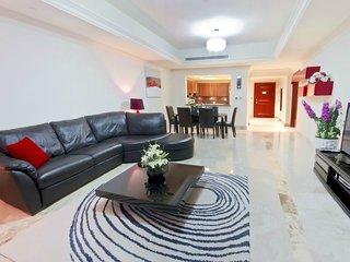 N06 Modern 1 BD in Fairmont Residence!