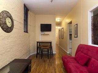 Superior 3BR in Times Square (7831)