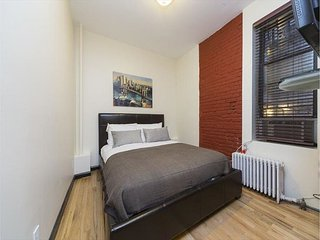 Executive Studio in a prime location: Midtown East. Authentic New Yorker home.