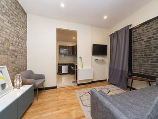 Gorgeous Murray Hill 1BR (8565)