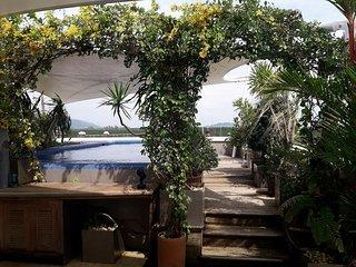 Luxury Penthouse inside Marina