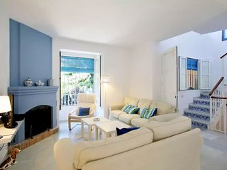 Wonderful house is a 10-minute walk to the beach Marbella