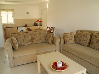 DPS YIASEMI 101-Two Bed Apt-Pool-Playground-Close to beach