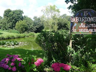 Welcome to La Bourdonnerie, a 300 year old former farm just 10 mins from the normandy beaches