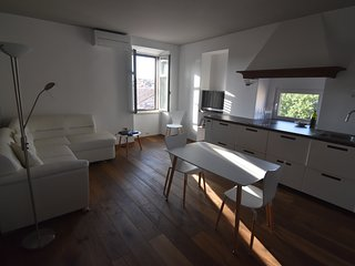 Central but quiet designer apartment