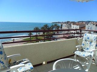 Apartamento frontal a pie de playa a 30 metros del mar