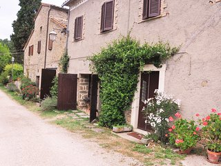 Ca de Lelli, 5 bed holiday rental house with pool. Private and secluded., Mercatale