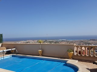 Luxury villa with stunning views, Caleta de Fuste