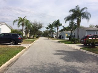 Orlando holiday home, 10 minutes from Disney, gated community with pools, Winter Garden