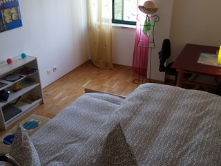 Room + WC Private, In house shared with the owners  Near Lisbon and the beach