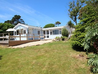 A perfect Cornish hideaway for holidays to remember with family & friends, Porthcurno