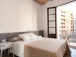 Modernist flat close to the Sagrada Familia