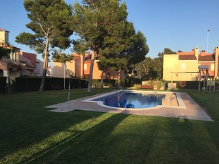 Relaxing house with pool and garden, Mont-roig del Camp