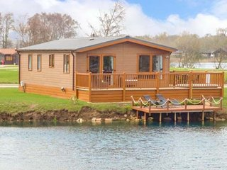 Castle View Lodge 13 Misty Bay with Hot tub, Tattershall