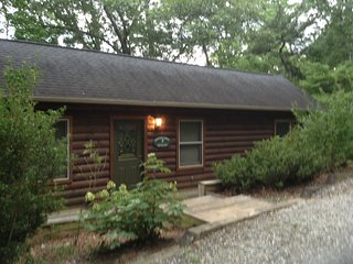 Acorn Cabins Lake Lure  ( Nuthatch Cabin ) Lake Access