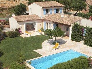 Villa tout confort pour 6 personnes avec tres belle vue degagee sans vis a vis.