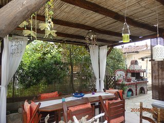 FULLY FURNISHED FAMILY APARTMENT CLOSE TO THE SEA IN IERISSOS CHALKIDIKI, Ierissos