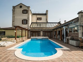 VILLA MALOM Luxury Resort, Budaors