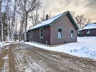 Quintessential Rangeley Lakefront Cabin w/ Porch!