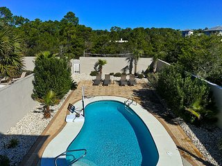 FOOTPRINTS IN THE SAND: New Guest House-Pool-Bikes, Santa Rosa Beach