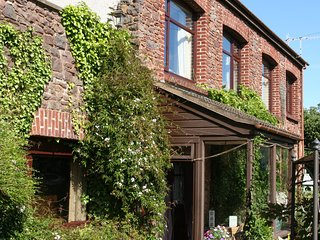 C17 converted Barn in peaceful location on edge of Exmoor National Park, Minehead