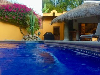 Walled Garden Hacienda. Five bedrooms & pool. Private and secure, La Cruz de Huanacaxtle