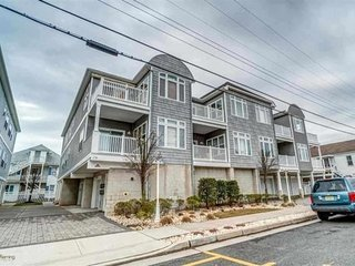 Beach Condo, Wildwood
