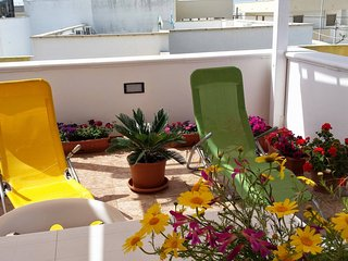 Apartments 'Rondine' in Torre Pali, for 5 people, 50 meters from the sea