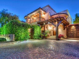 Amazing Tuscan Style Villa in Prime Location
