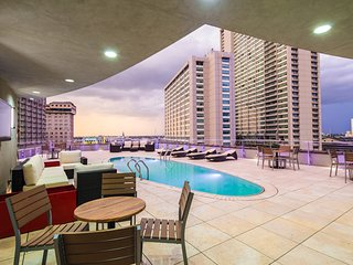 Canal Street Apartments by Giani Rentals