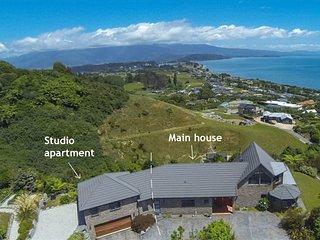 Beau Vista Pohara holiday home and studio